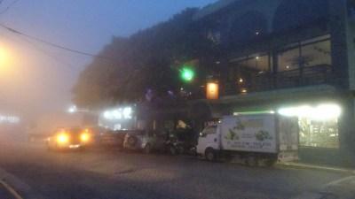 La ville de Santa Elena sous un épais brouillard - Costa Rica