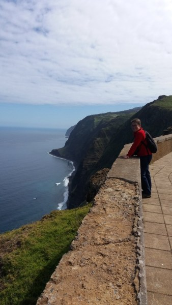 Vue sur la côte depuis le phare  de Ponta Do Pargo - Madère