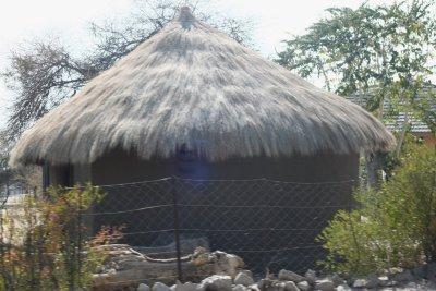 Case sur la route entre Maun et Makgadikgadi NP - Botswana