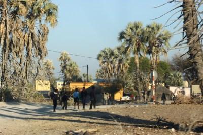 Traversée du village de Khumaga - Botswana