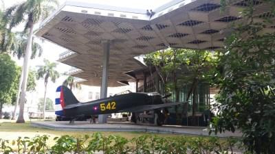 Avions au musée de la Révolution - La Havane (Cuba)