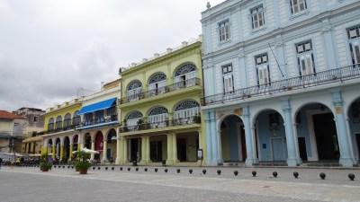La Plaza Vieja - La Havane (Cuba)