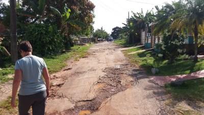 """La rue """"défoncée"""" de notre gite à Vinales (Cuba)"""
