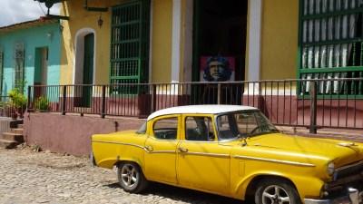 """Une belle américaine et le """"Che"""" à Trinidad - Cuba"""