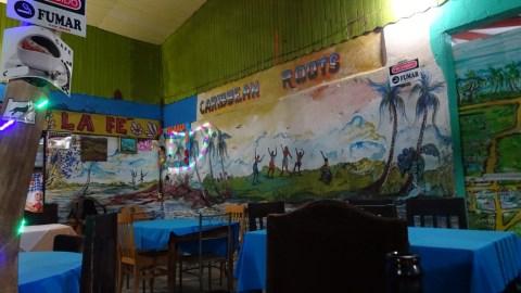 Au restaurant à Cahuita - Costa Rica