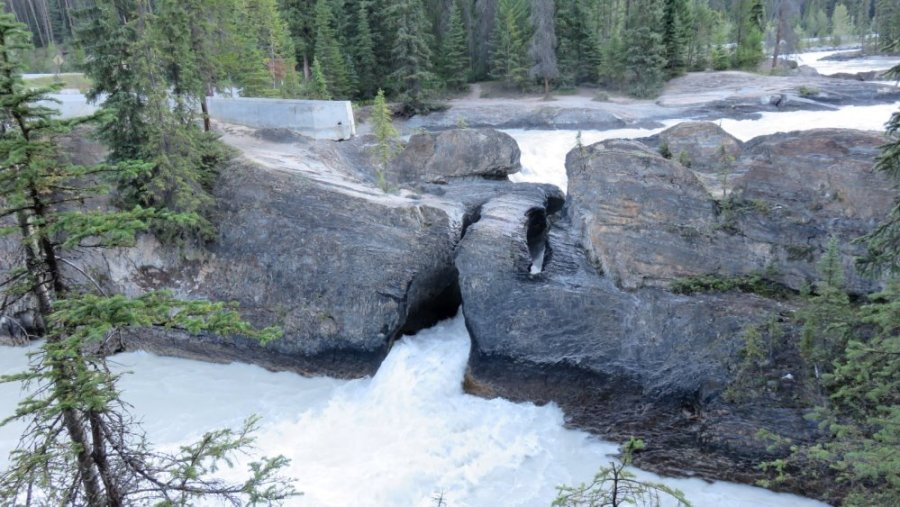 Natural Bridge - Le parc National Yoho - Rocheuses canadiennes