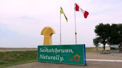 Sur la route entre le parc Provincial des Dinosaures et Regina - Canada