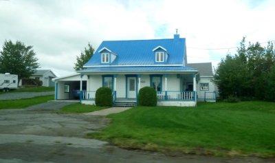 Maisons colorées entre Québec et Montréal