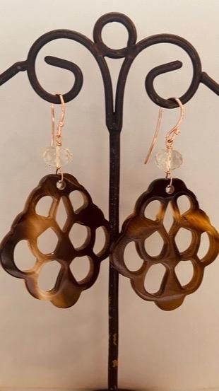 orecchini in corno con pietre semipreziose