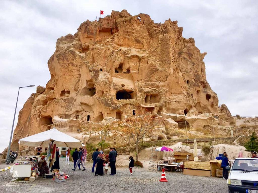 Le château Uchisar en Cappadoce en Turquie dans mon article Mon itinéraire en Turquie: Que faire, voir et visiter en 7 jours #turquie #voyage #asie #cappadoce #istanbul