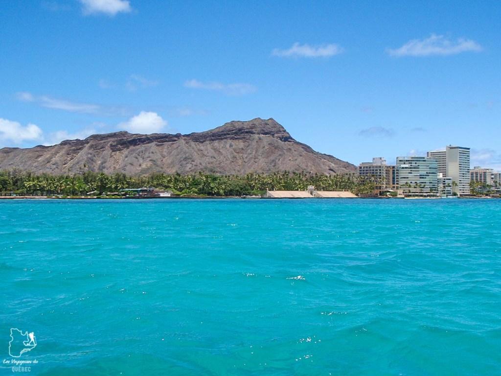 Publics Surf Spot à Waikiki, mon spot de surf à Oahu préféré dans notre article Le surf à Oahu : Mes plus beaux spots de surf sur cette île d'Hawaii #surf #oahu #waikiki #usa #voyage #spotdesurf