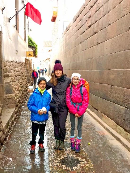 Se déplacer à pied, une belle manière de découvrir les villes du Pérou dans notre article Comment se déplacer au Pérou : Petit guide pratique des transports au Pérou #perou #transport #sedeplacer #ameriquedusud #voyage