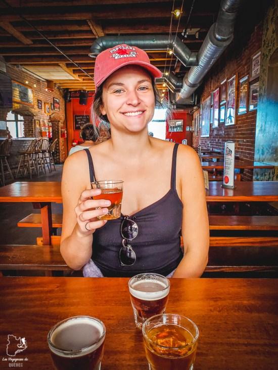 Bière au Gritty's lors d'un food tour à Portland dans notre article Visiter Portland : Quoi faire à Portland dans le Maine pour un weekend gourmand #Portland #Maine #USA #voyage #foodtour