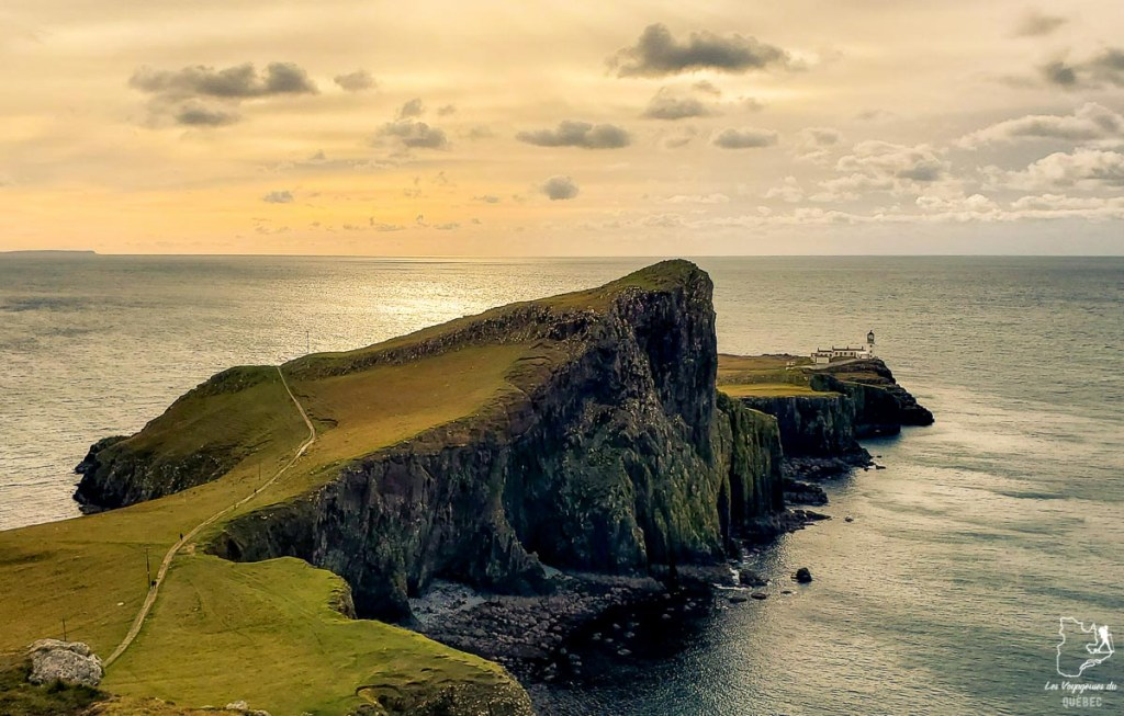 Neist point sur l'île de Sky en Écosse dans notre article Road trip en Écosse : Une semaine de road trip sportif et gastronomique #ecosse #roadtrip #europe #grandebretagne #royaumeunis #voyage