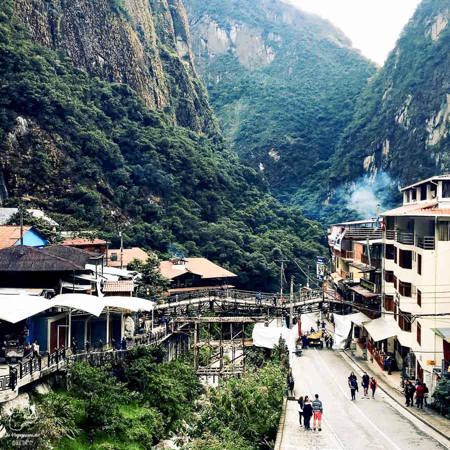 Aguas Calientes, notre point d'arrivée de notre trek sur l'Inca jungle trail dans notre article Randonnée sur l'Inca jungle trail : Mon trek au Machu Picchu en famille #randonnee #trek #incajungletrail #machupicchu #perou #ameriquedusud #unesco