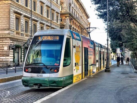 Transport à Rome lors de mon immersion en Italie dans notre article Séjour linguistique en Italie : Mon expérience d'immersion et de cours d'italien à Rome #italie #sejourlinguistique #immersion #coursitalien #rome