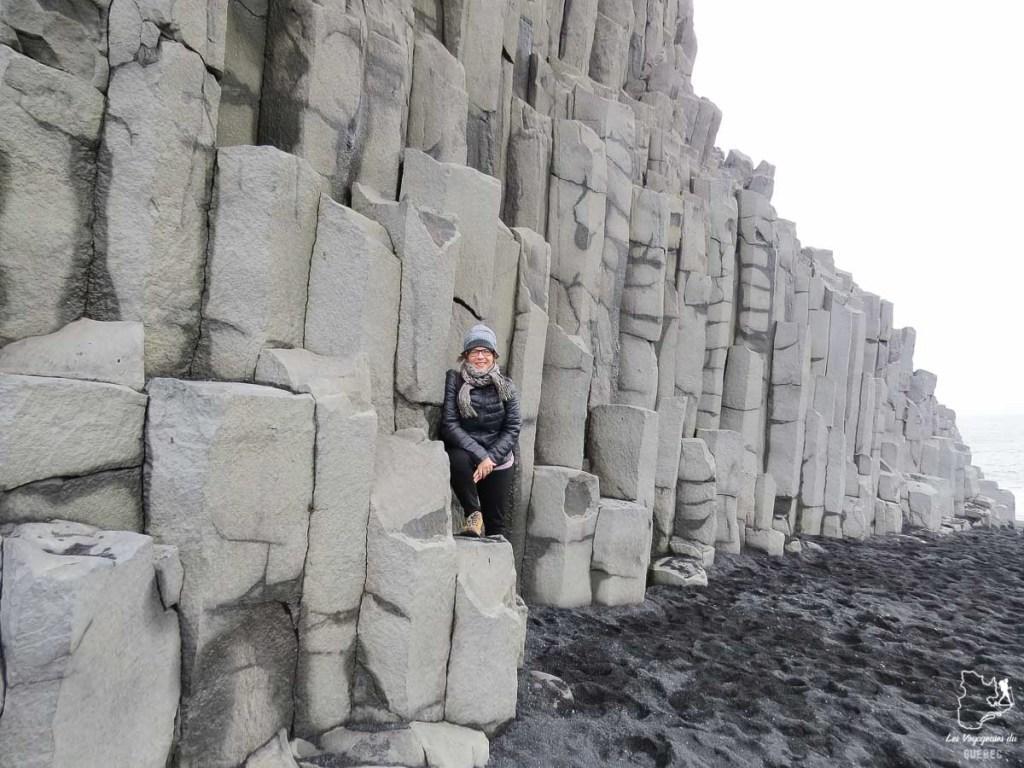 Colonnes de basalte de Reynisfjall dans notre article Une semaine en Islande : Mon expérience à visiter l'Islande en solo #islande #unesemaine #voyage #europe #voyageensolo