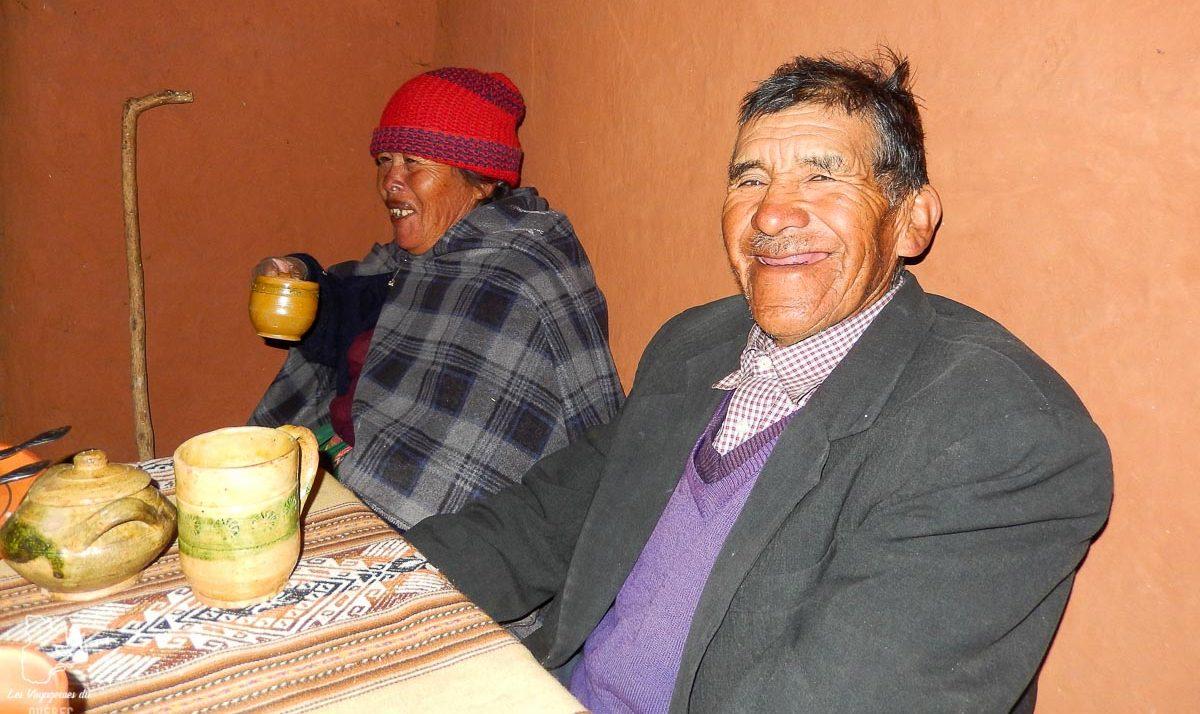 Petit déjeuner avec la famille au lac Titicaca au Pérou dans notre article Le lac Titicaca au Pérou : Mon expérience sur 3 îles et dans une famille locale #perou #lactiticaca #titicaca #voyage #ameriquedusud