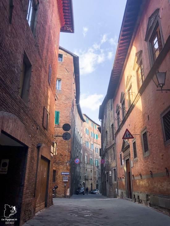 Les rues de Sienne en Toscane dans notre article Visiter la Toscane en Italie : Mes incontournables de que faire et voir en 10 jours #toscane #italie #europe #voyage #itineraire #sienne