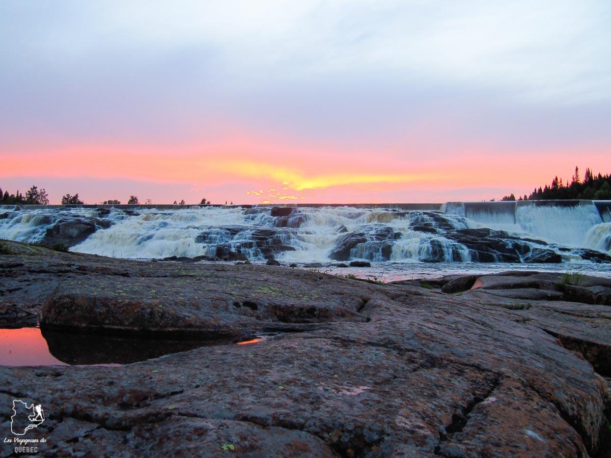 Chutes de la Rivière-aux-Rochers à Port-Cartier sur la Côte-Nord dans notre article Visiter la Côte-Nord au Québec : mes coups de cœur tout en nature #cotenord #quebec #canada #nature