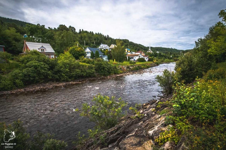 Anse-Saint-Jean dans notre article Tourisme au Saguenay-Lac-Saint-Jean : Itinéraire complet pour 5 jours de road trip dans le région #saguenay #lacsaintjean #saguenaylacsaintjean #quebec #quebecoriginal #canada #roadtrip