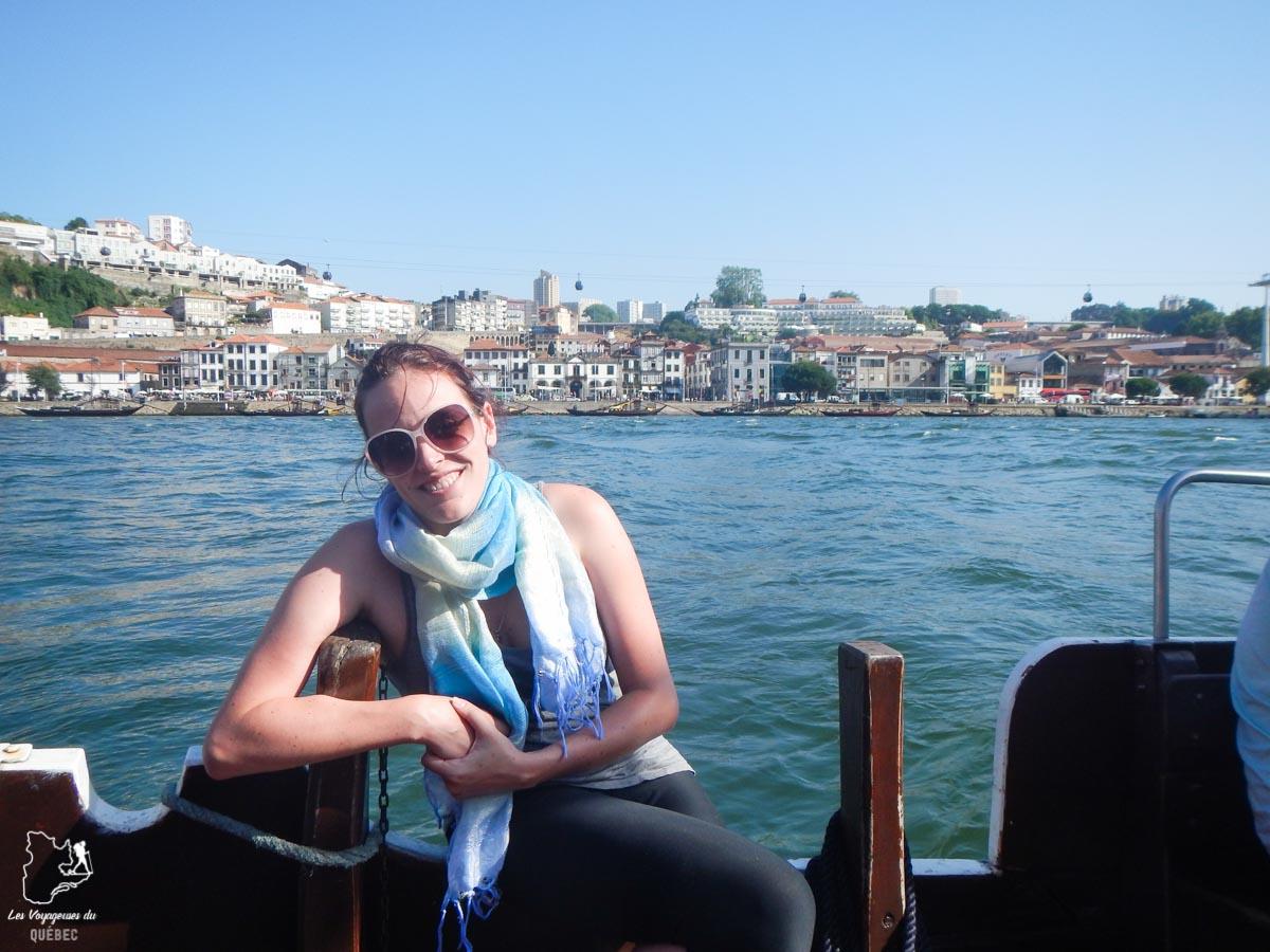 Bateau sur le fleuve Douro à Porto dans notre article Visiter Porto au Portugal et la Vallée du Douro : Que faire en 7 incontournables #porto #valleedudouro #portugal #europe #voyage