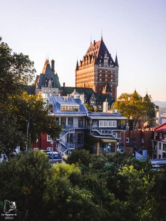 Photographier le château Frontenac à partir de la rterrasse Pierre-Dugua-de-Mons dans notre article Visiter Québec à travers ses plus beaux points de vue : 12 endroits où photographier la ville de Québec #quebec #villedequebec #canada #photographie