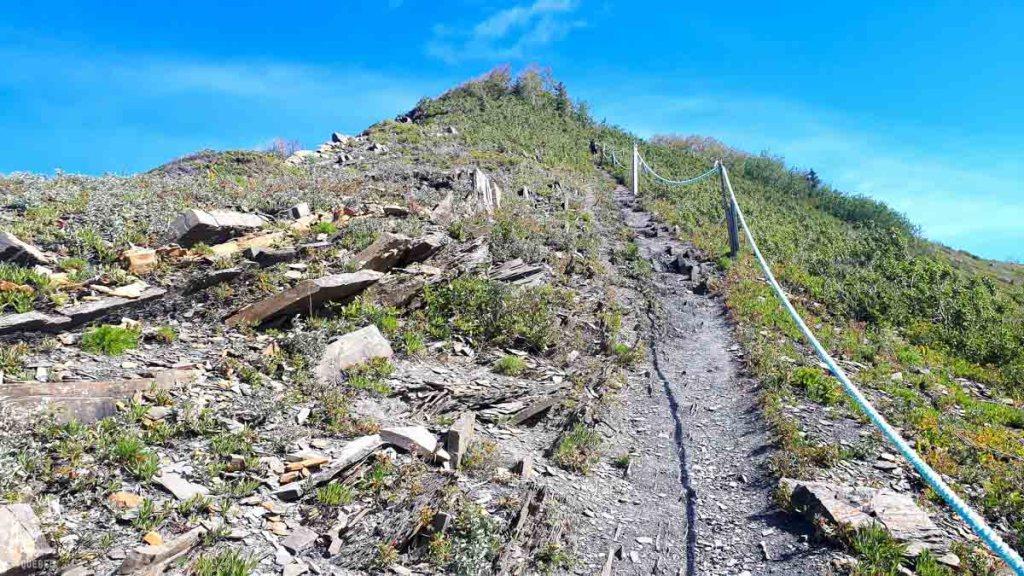 Randonnée au Mont Saint-Pierre dans notre article 4 randonnées en Gaspésie incontournables du Parc de la Gaspésie et des Chic-Chocs #randonnee #Gaspesie #chicchocs #sepaq #quebec