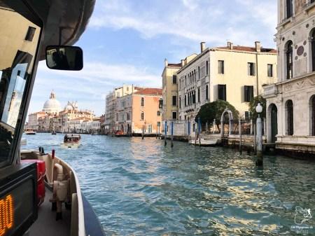 Se déplacer en vaporetto à Venise dans notre article Visiter Venise en 4 jours : Que voir et que faire à Venise en Italie #venise #venetie #italie #voyage #europe