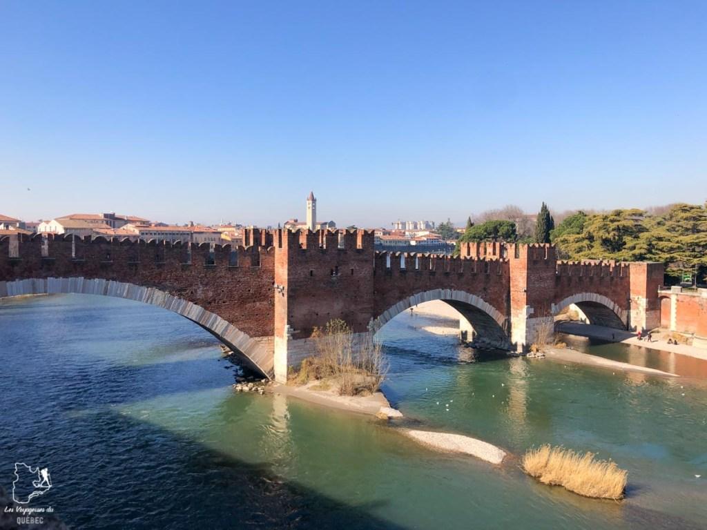 Ponte Scaligero de Vérone dans notre article Visiter Vérone en Italie : mes incontournables de la ville de Roméo et Juliette #verone #italie #venetie #voyage #europe