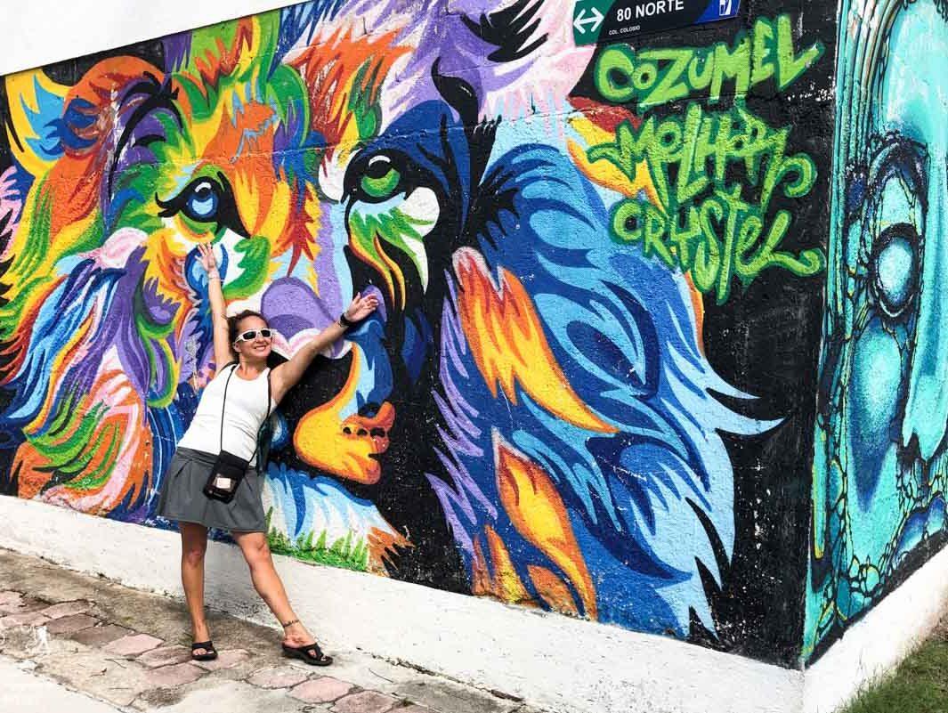 Street art sur la Quinta Avenida Norte à Playa del Carmen au Mexique dans notre article Quoi faire à Playa del Carmen et dans le Quintana Roo au Mexique en indépendant #playadelcarmen #quintanaroo #mexique #voyage #caraibes #yucatan