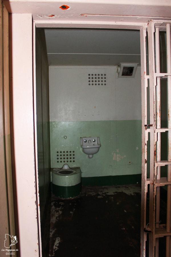 Le Trou à la prison d'Alcatraz à San Francisco dans notre article Visiter Alcatraz : Tout savoir sur la visite de cette prison de San Francisco #alcatraz #ile #sanfrancisco #californie #usa #etatsunis #prison