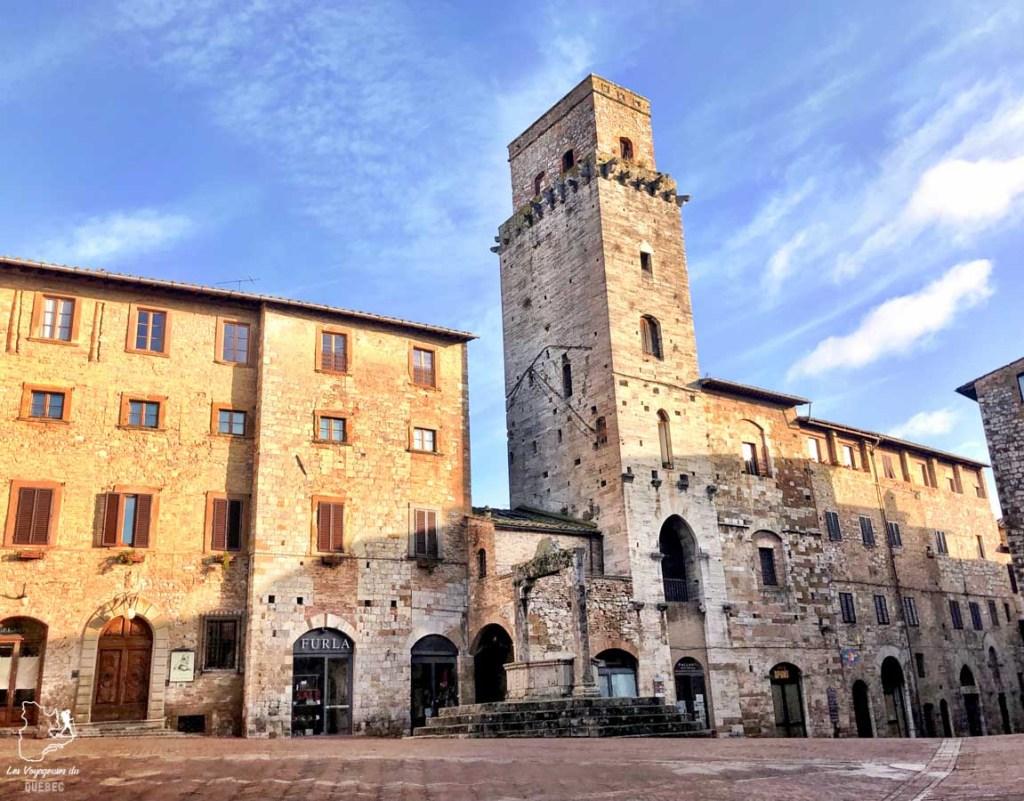 La Piazza della Citerna à San Gimignano en Italie dans notre article Mon weekend à visiter San Gimignano en Italie : Magnifique ville fortifiée de la Toscane #sangimignano #toscane #italie #unesco #voyage