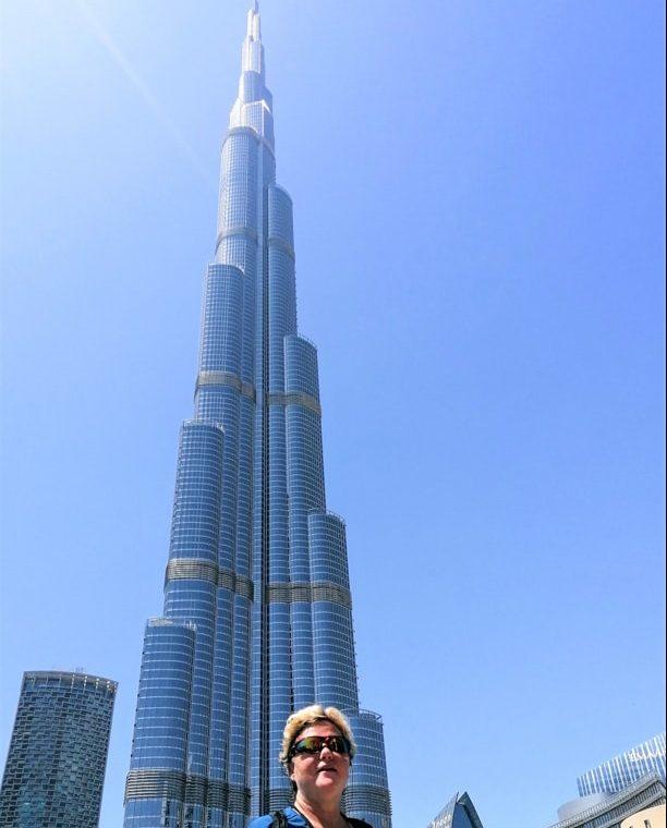 Tour Burj Khalifa de Dubaï, plus haute tour du monde, dans notre article Visiter Dubaï avec un petit budget : Que faire à Dubaï et voir pour un séjour pas cher #dubai #emiratsarabesunis #asie #voyage