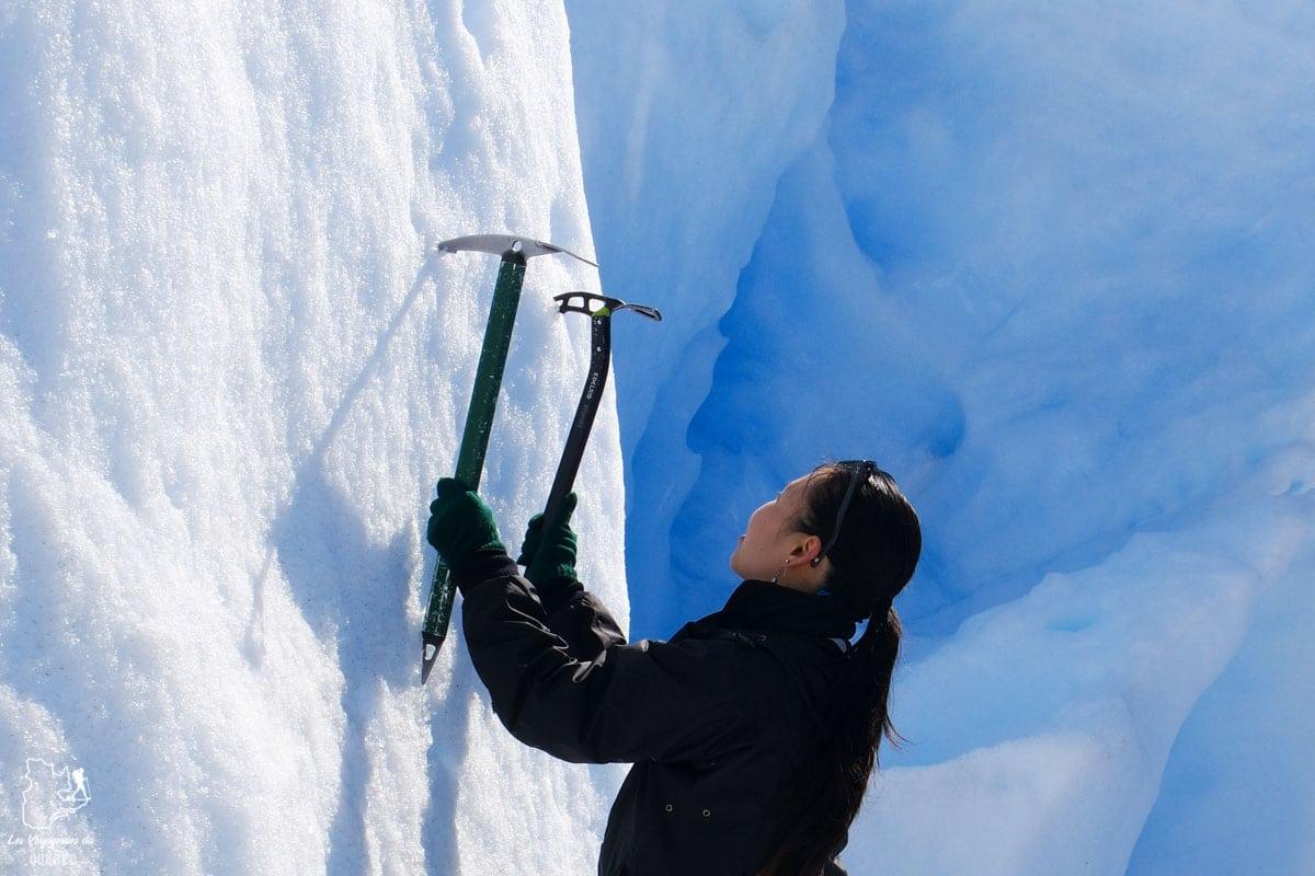 Escalade de glace au glacier Perito Moreno en Patagonie dans notre article Quitter une vie où il faut plaire à tout prix pour voyager et être enfin libre #voyage #voyageraufeminin #femme #inspiration