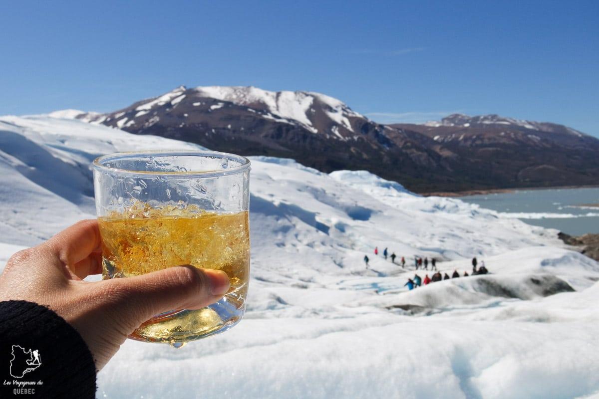 Whisky au glacier Perito Mereno dans notre article Quitter une vie où il faut plaire à tout prix pour voyager et être enfin libre #voyage #voyageraufeminin #femme #inspiration
