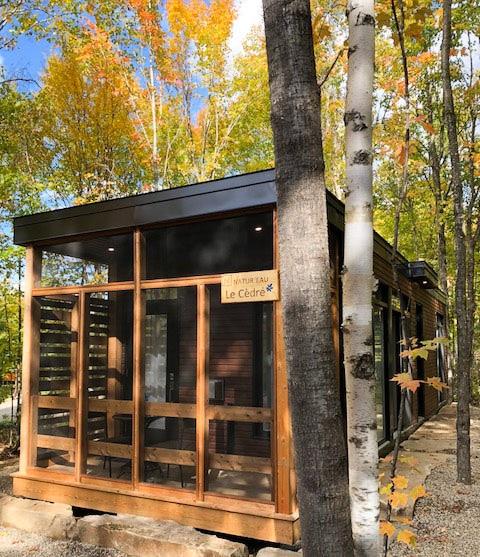 Location mini-maison chez Natur'eau dans Lanaudière dans notre article 8 mini-maisons et mini-chalets au Québec à louer pour vos vacances #minimaison #minichalet #hebergement #quebec #vacances