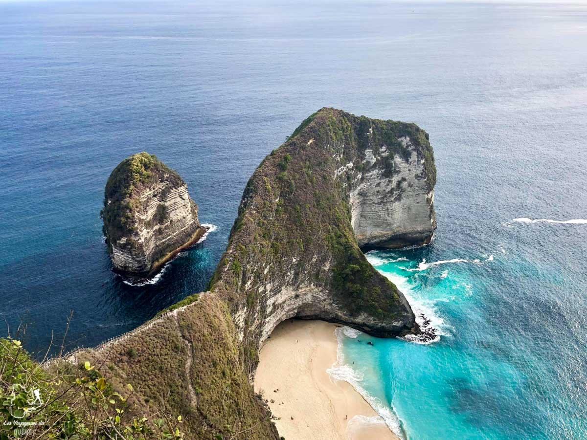 Kelingking beach à Nusa Penida à Bali dans notre article Oser partir en voyage au bout du monde malgré des barrières #voyage #oservoyager