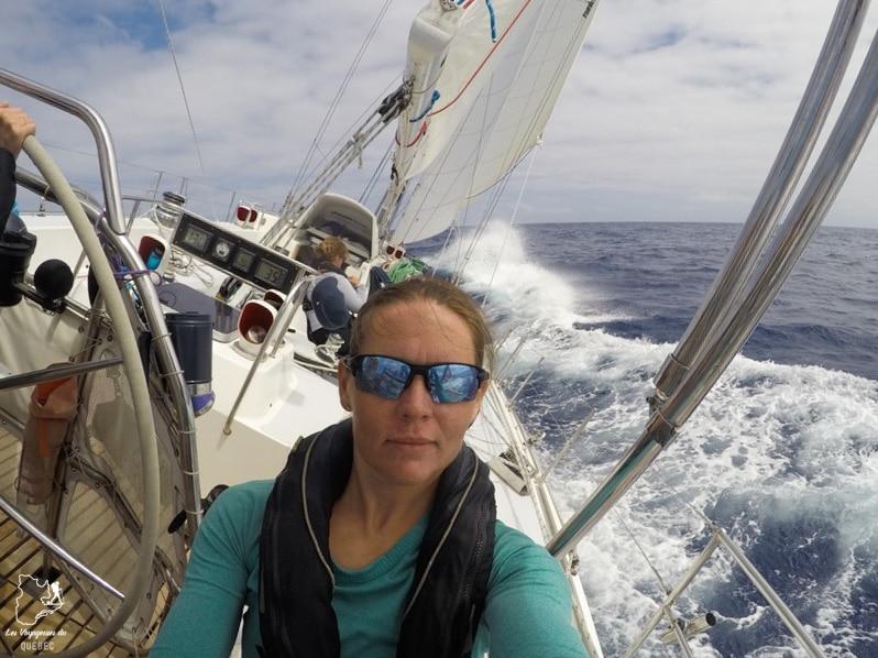Karine, amatrice de la voile, dans notre article Elle participe à Mission eXXpedition : projet écologique en mer totalement féminin #exxpedition #ecologie #environnement #voilier #femme #voyage