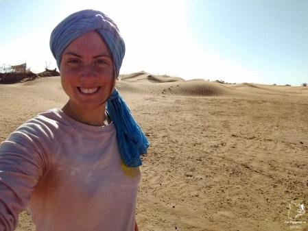 Faire une randonnée dans le désert du Sahara au Maroc en tant que femme dans notre article Trek dans le désert du Maroc : Ma randonnée de 5 jours dans le désert du Sahara #desert #maroc #sahara #randonnee #trek #voyage