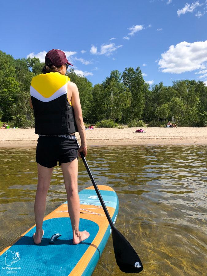 Veste de flottaison en SUP dans notre article 5 spots de SUP (paddleboard) à moins de 1 heure de Montréal pour débutants #SUP #paddleboard #montreal #quebec