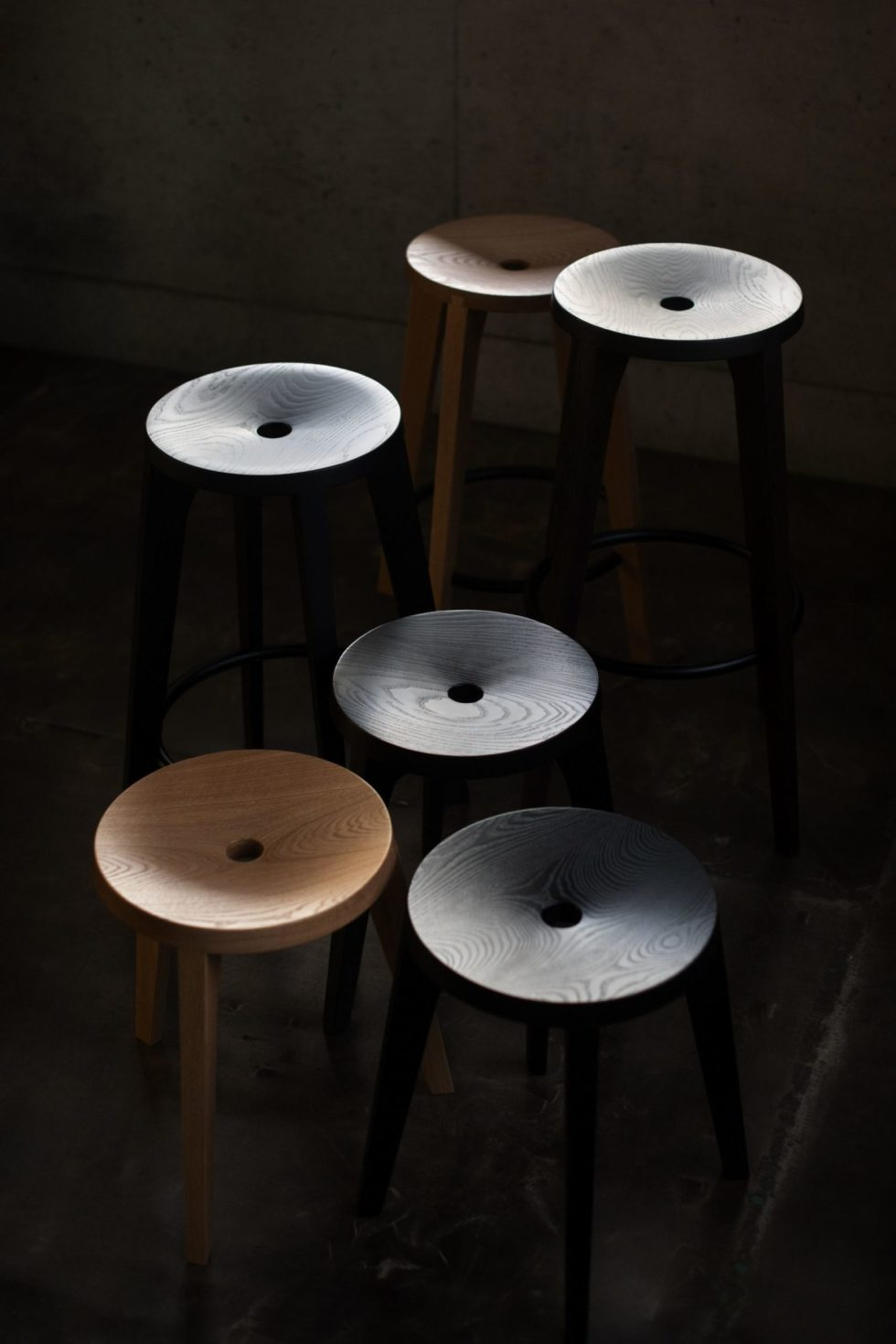 assembly of dovetail stools ariake