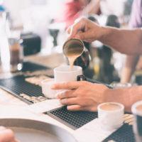 Η παραγωγή καφέ από τους εκπαιδευμένους barista