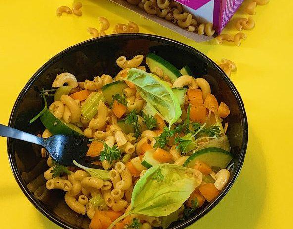 Macaronis aux légumes et à l'huile d'olive