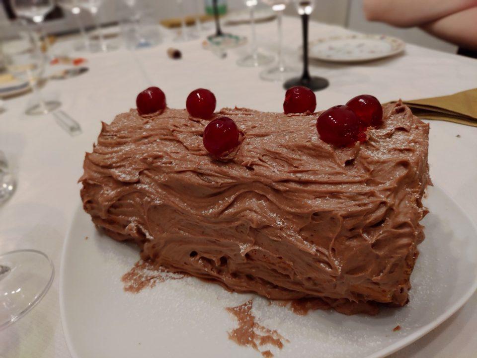 Bûche au chocolat au sirop de poires sans produits laitiers