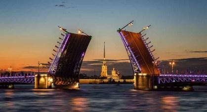 St. Petersburg - Z letalom na poti