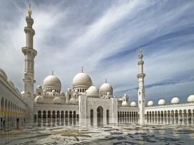 Abu Dhabi - Z letalom na poti