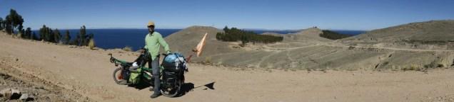 Ca grimpe face au lac Titicaca
