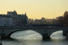 Paris, vue depuis le Pont Louis-Philippe, dans le sens de la Seine, 9 mars 2014, 19:10