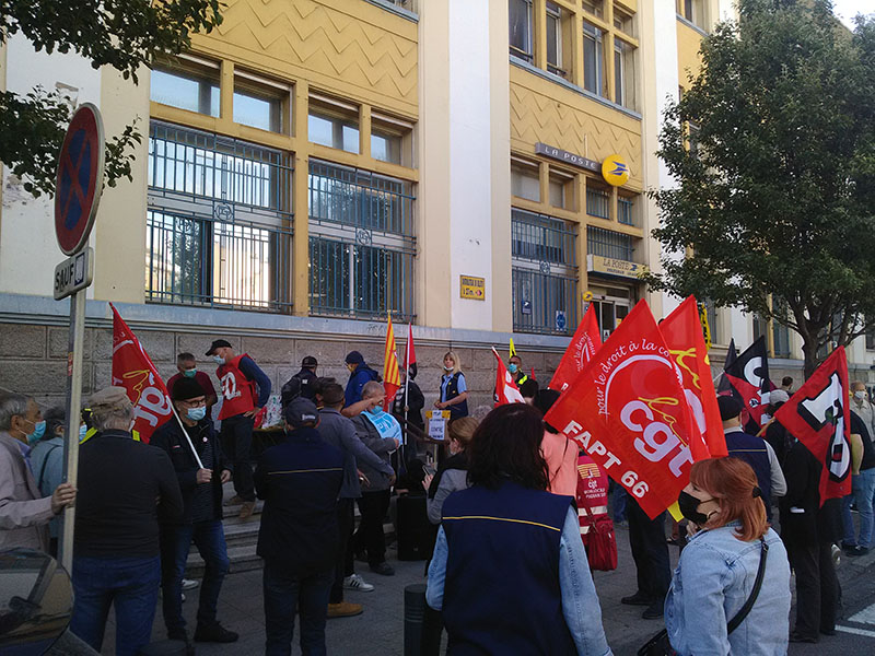 Manifestation la Poste Perpignan